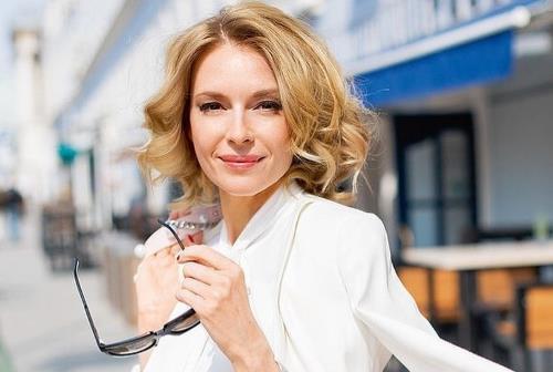 Актриса Любовь Толкалина
