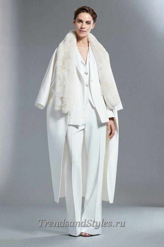 белое женское пальто 2020 с мехом