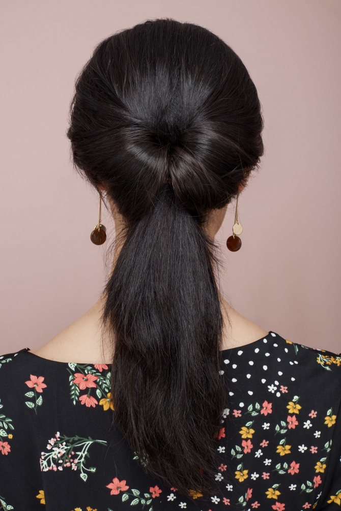 длинные черные волосы низкий хвост с узлом петлей