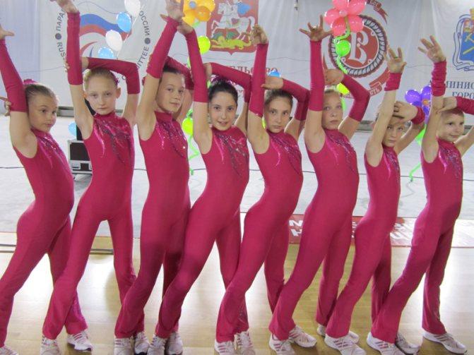 Гимнастика для девочек черлидинг