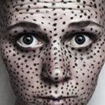 Как убрать чёрные точки на лице