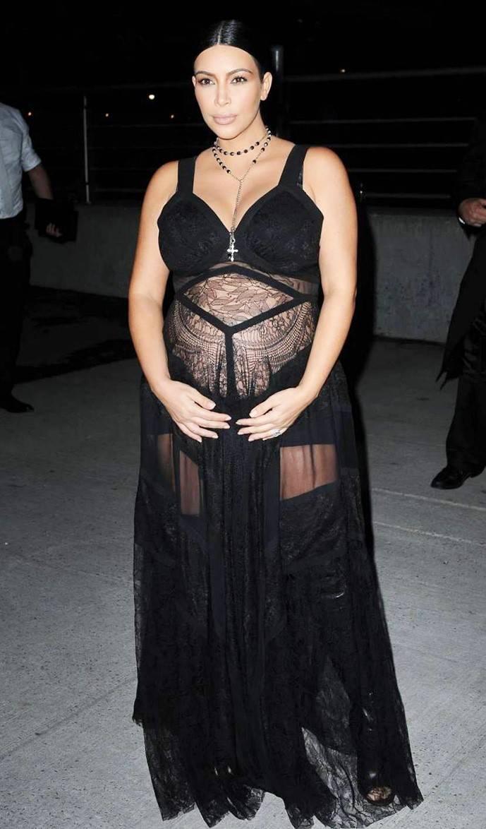 Ким Кардашьян на гала-вечере LACMA Art Film Gala 2020, 8 ноября 2020 г.