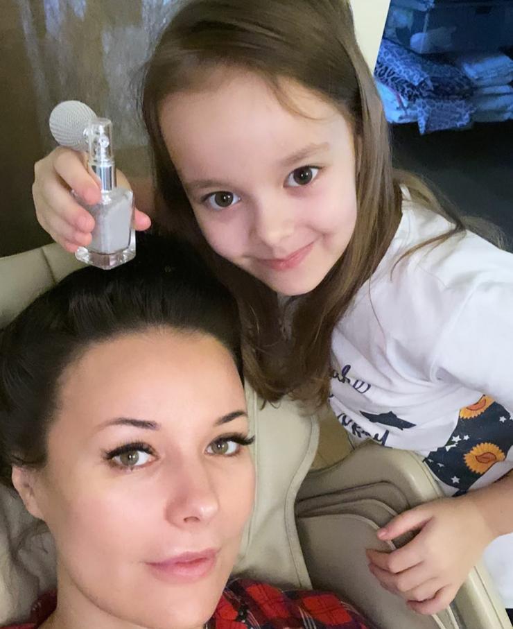 Красавица-дочь Лиза очень похожа на маму