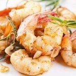Креветки с чесноком в духовке: рецепт с фото