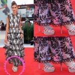 Кристина Кабрини во многоярусном вечернем платье и серебристых босоножках на шпильке