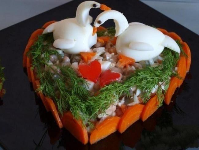 лебеди из вареных яиц