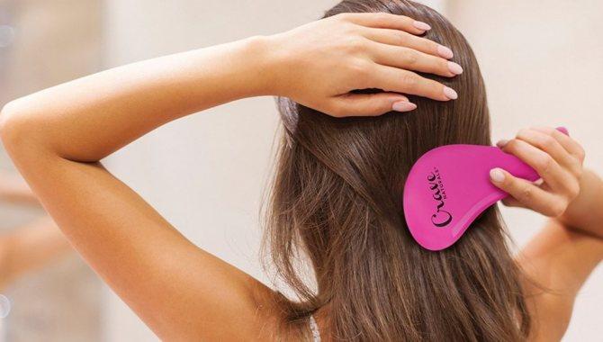 Нужно ли расчесывать волосы перед сном