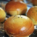 Пирожки дрожжевые с капустой в духовке