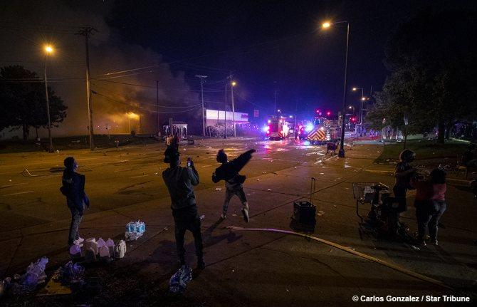 протесты в США Фото: Carlos Gonzalez/Star Tribune/twitter