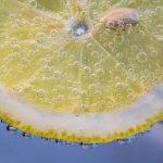 пузырьки на лимоне