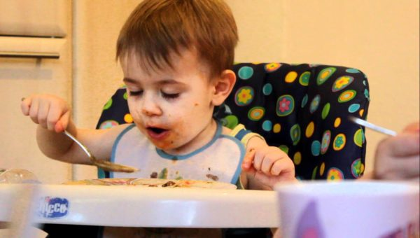 Ребенок должен кушать сам, по своему аппетиту