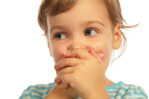 Ребенок капризничает, может отказываться от еды