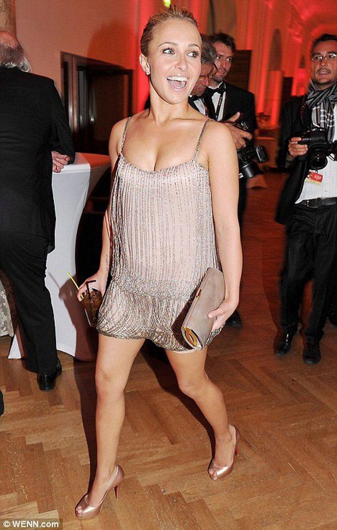 Рост Хайден - всего 155 сантиметров. Но актриса часто затмевает своих коллег модельного роста. Фото: Daily Mail.