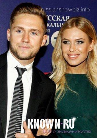 С кем встречается Влад Соколовский? Влад Соколовский и его девушка - прекрасная пара!