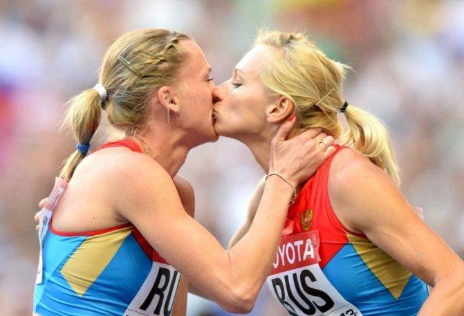 Самые неожиданные поцелуи российских знаменитостей, которые удивили поклонников Знаменитости