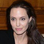 Счастливую Анджелину Джоли заметили папарацци