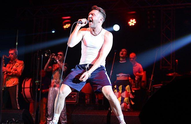 Сергей Шнуров на сцене
