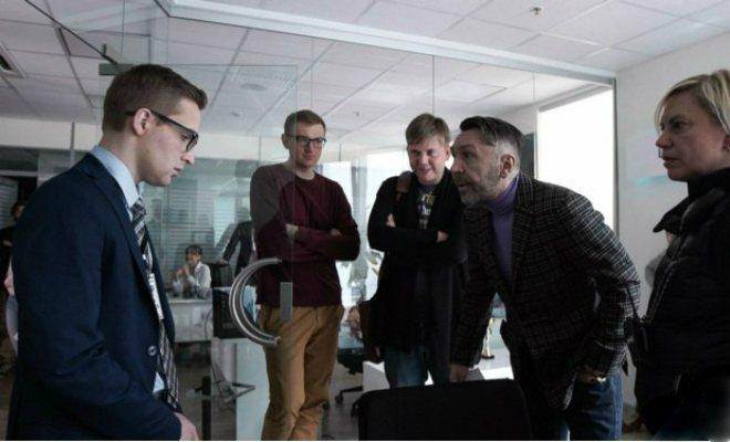 Сергей Шнуров на съемках клипа «В Питере пить»
