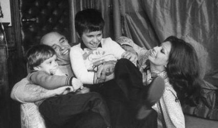 Софи Лорен с мужем и детьми