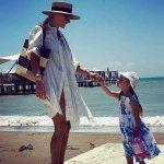 Татьяна Навка публикует фото и видео трехлетней дочки в Турции