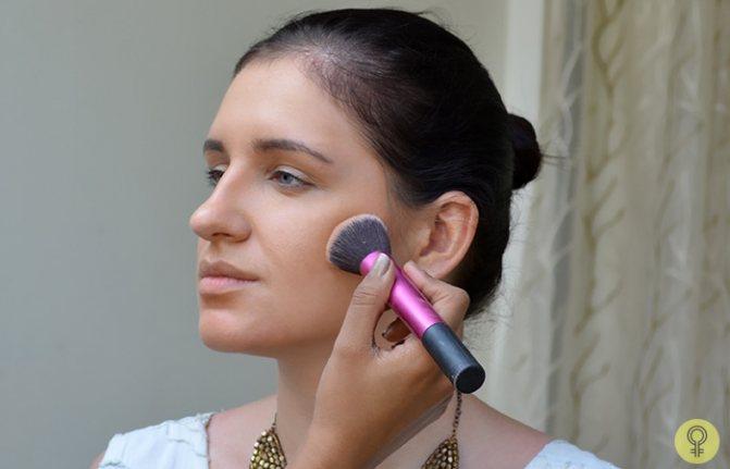 угловая контурная кисточка для макияжа