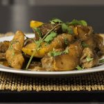 Запеченная говядина с айвой в рукаве – готовое блюдо